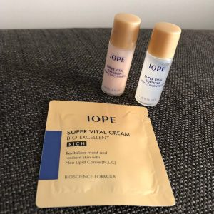 review mỹ phẩm IOPE