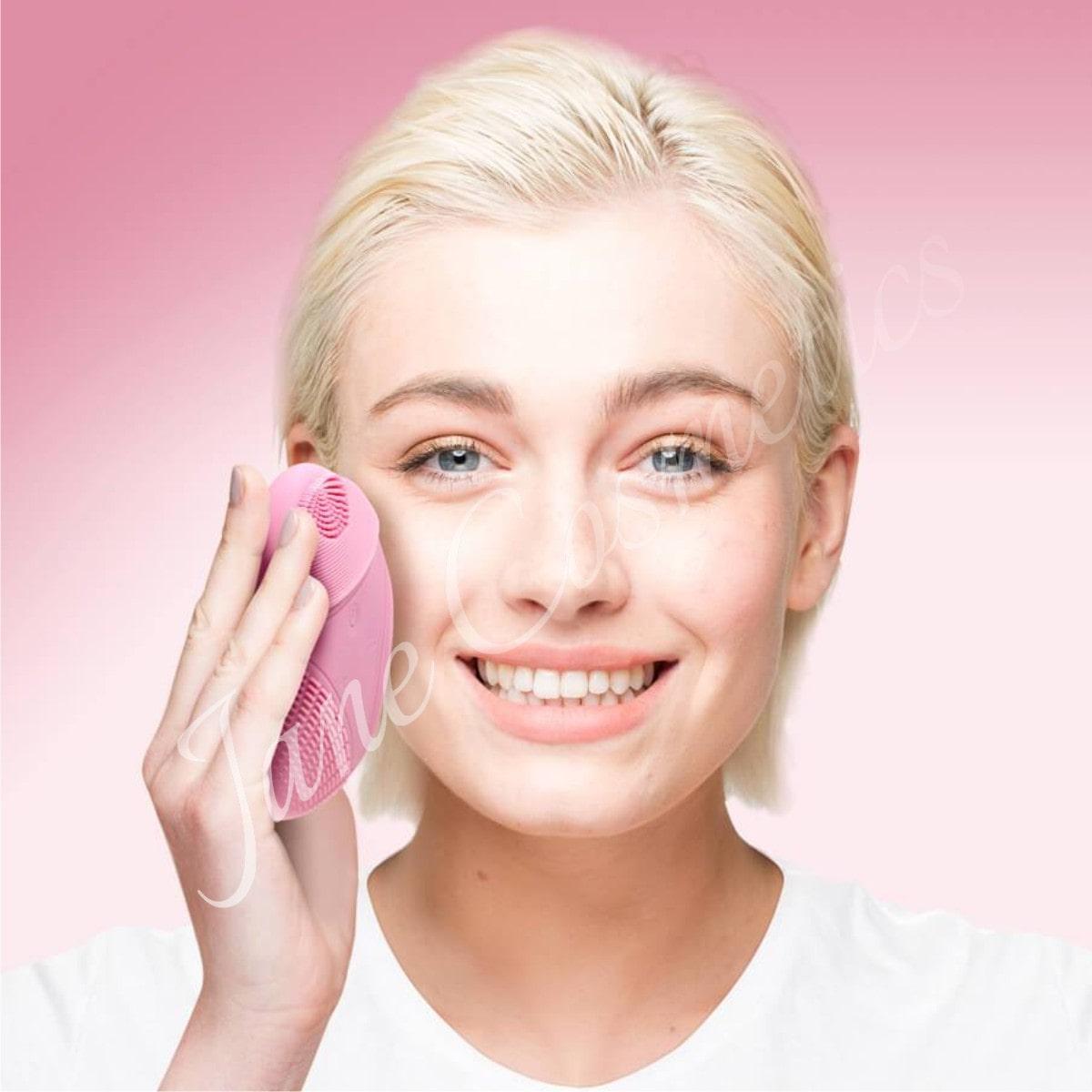 khắc phục da dị ứng mỹ phẩm bằng rửa mặt